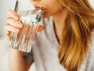Can drinking water reduce wrinkles